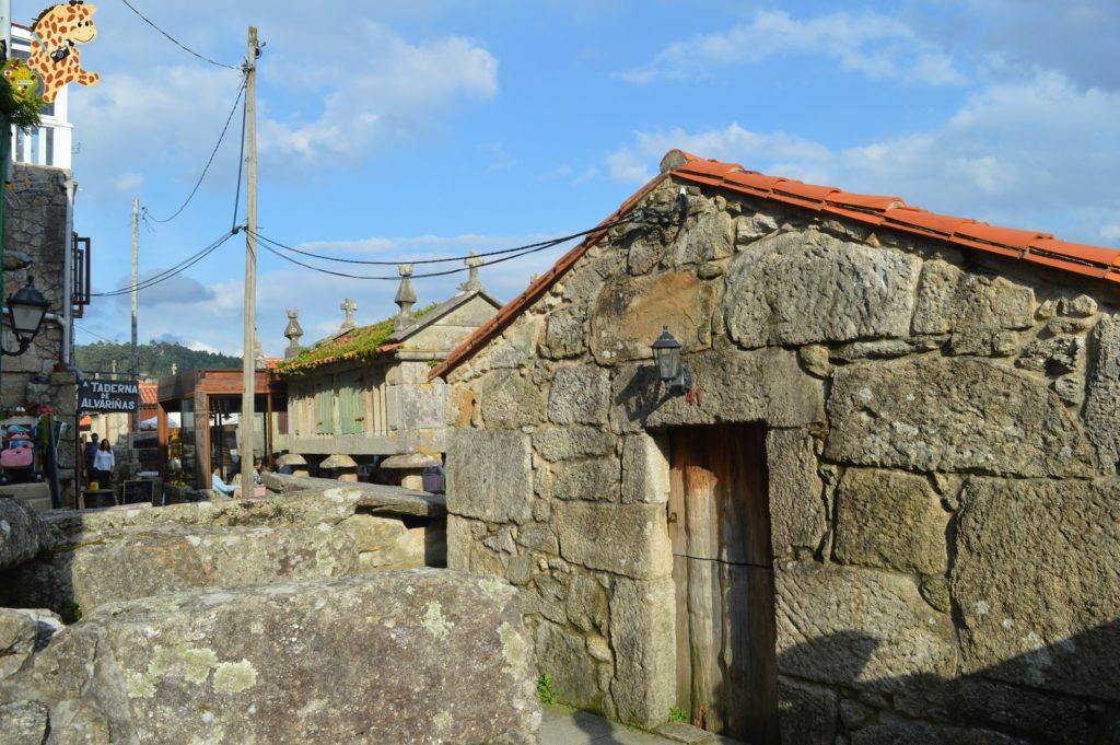 poioyalanzada282129 1024x681 - Qué ver en las Rías Baixas: Combarro y A Lanzada