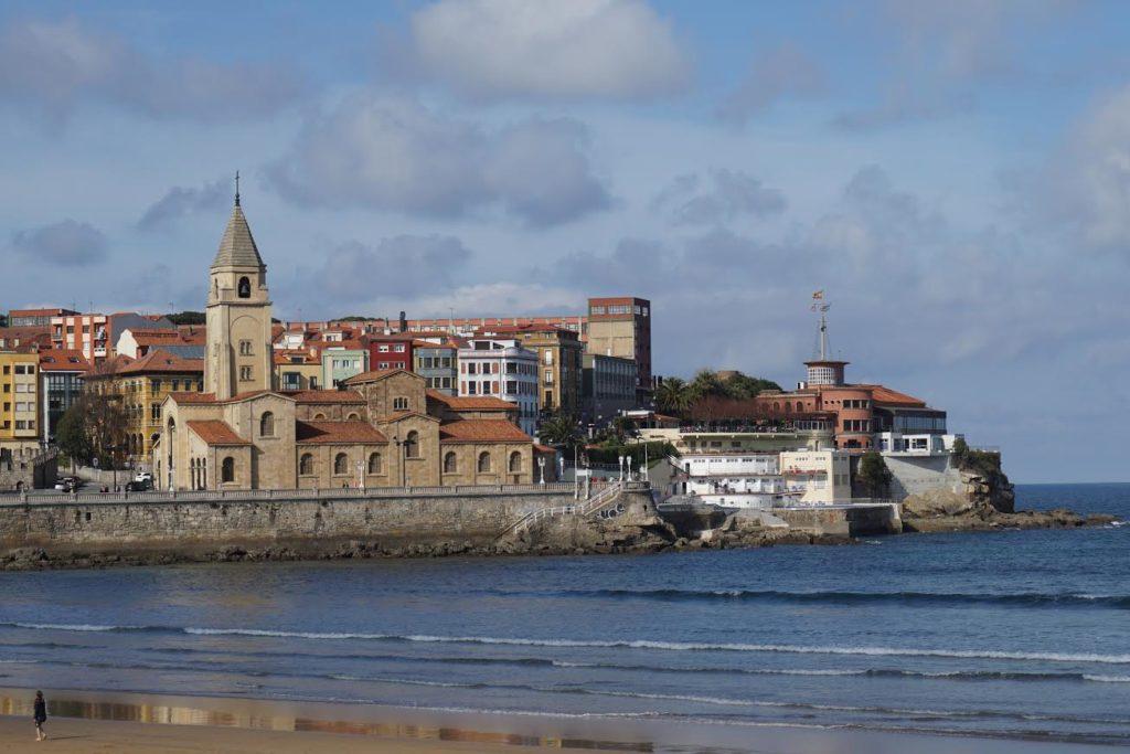 gijon 1024x683 - Las ciudades más bonitas de España (II)