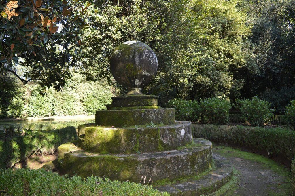 pazodesantacruzderivadulla281129 1024x681 - Pazo de Rivadulla y su magnífico paseo de olivos (Vedra)
