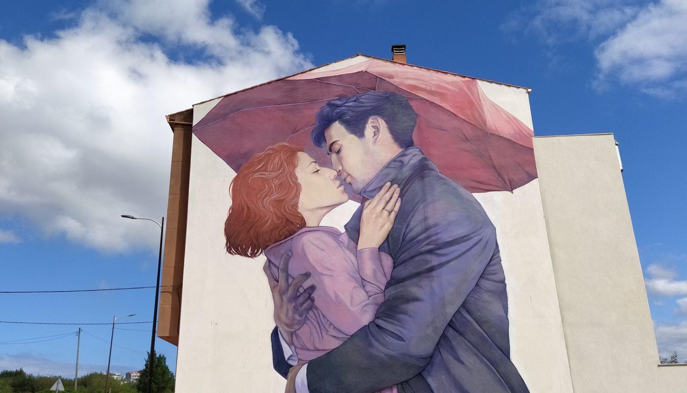 murales carballo 1 1400x800 - 5 lugares con arte urbano en Galicia