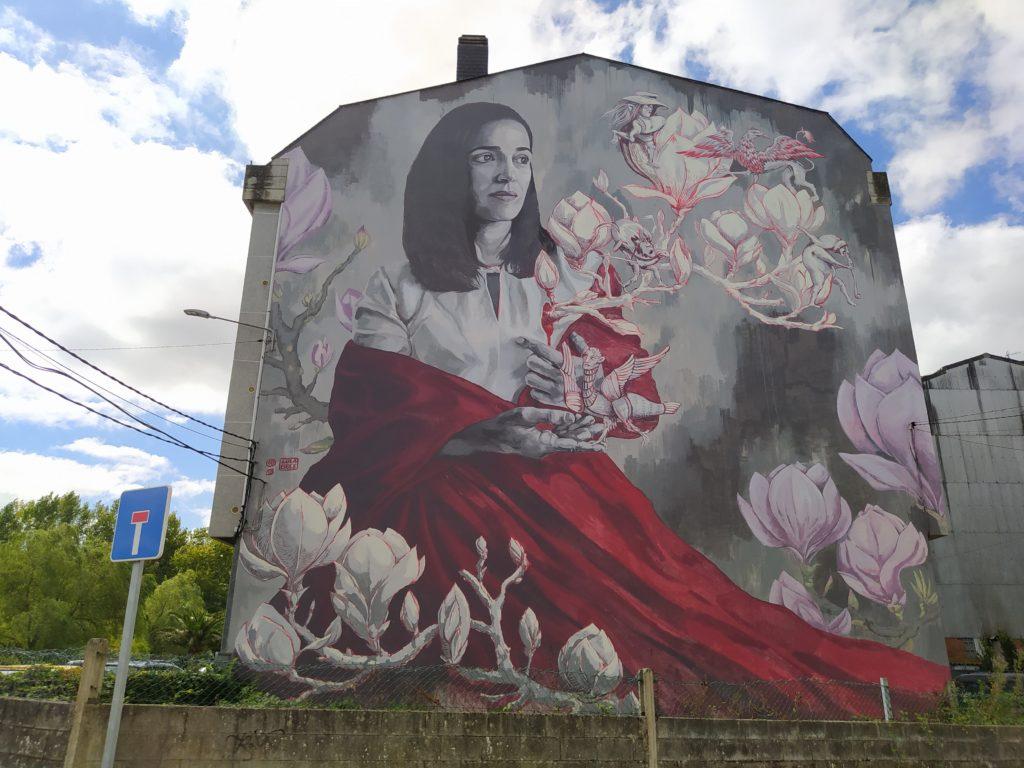 murales carballo 3 1024x768 - 5 lugares con arte urbano en Galicia