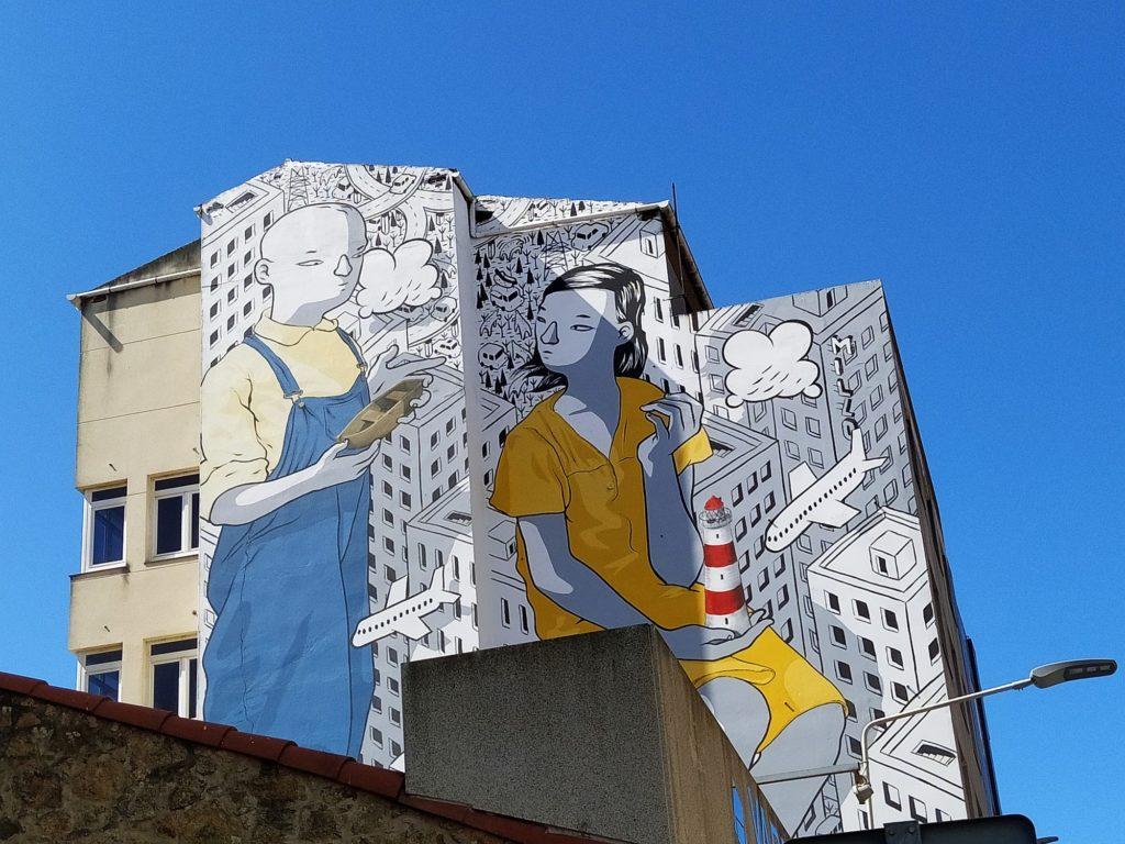 murales carballo 4 1024x768 - 5 lugares con arte urbano en Galicia
