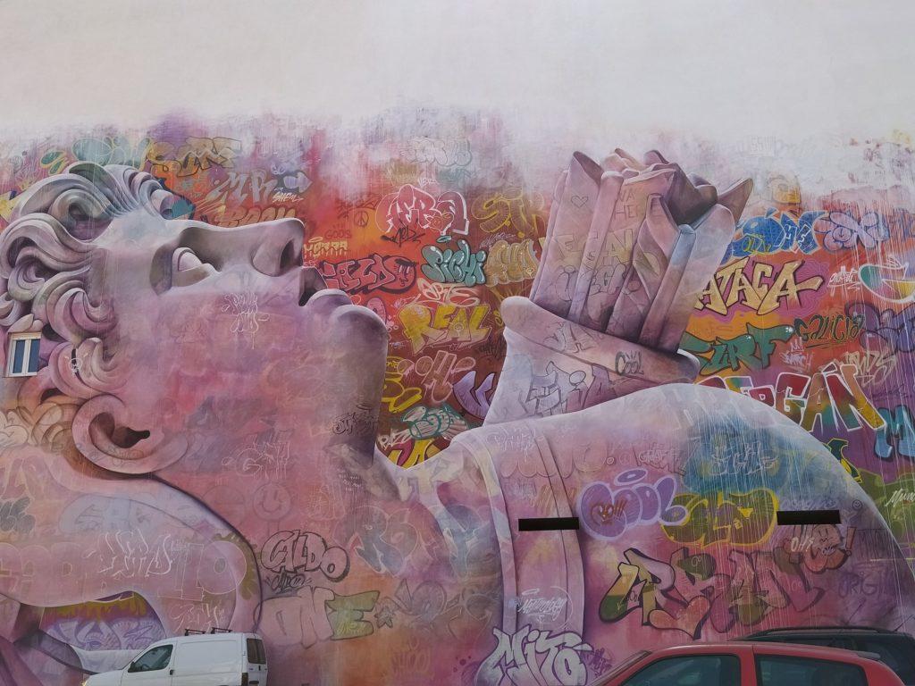 murales carballo 7 1024x768 - 5 lugares con arte urbano en Galicia